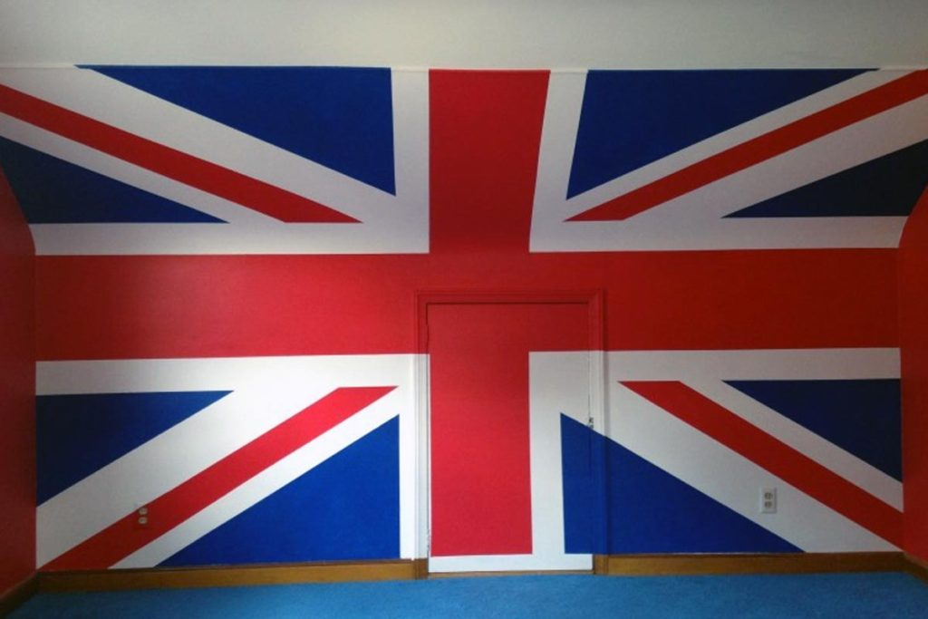 British flag mural on full 8′ x 12′ wall.