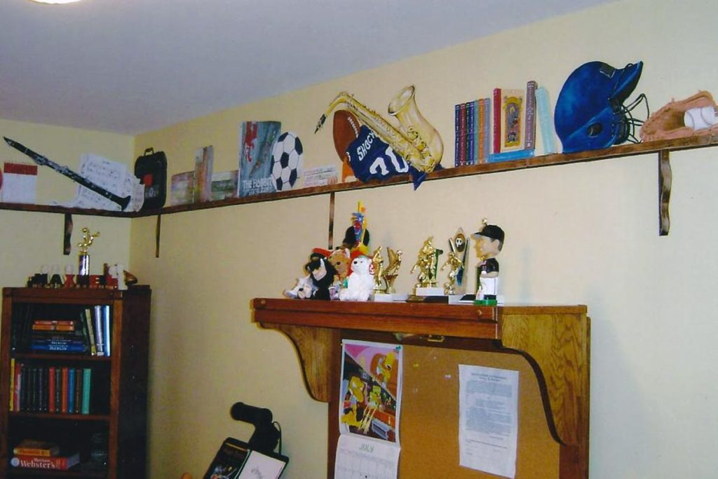 Additional view of the painted shelf.